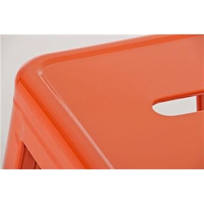 Sgabello da Bar o Cucina in Stile Moderno CELIA, in Color Arancione, Realizzato in Metallo, Con Poggiapiedi